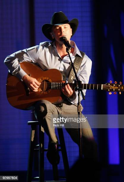 Kenny Chesney performs onstage at the 43rd Annual CMA Awards at the Sommet Center on November 11 2009 in Nashville Tennessee
