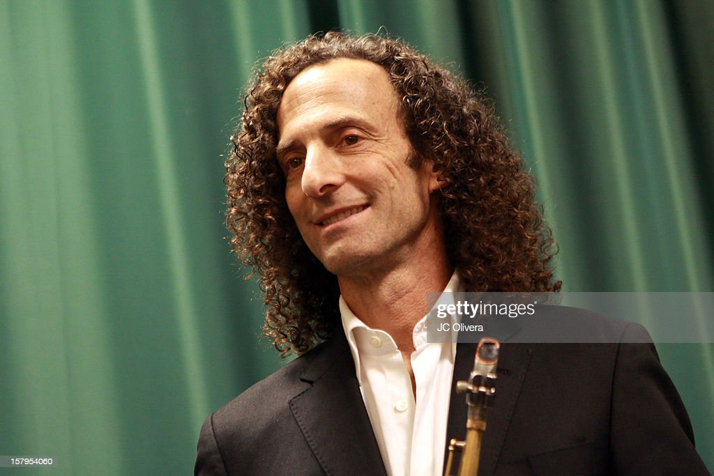 <a gi-track='captionPersonalityLinkClicked' href=/galleries/search?phrase=Kenny+G&family=editorial&specificpeople=211357 ng-click='$event.stopPropagation()'>Kenny G</a> attends a live Interactive reading event of 'ELFBOT' inside Barnes & Noble at The Americana at Brand on December 7, 2012 in Glendale, California.