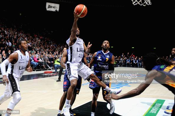 Kenny Hasbrouck of Obiettivo Lavoro competes with Jerome Dyson and Ndudi Ebi of Manital during the LegaBasket match between Virtus Obiettivo Lavoro...