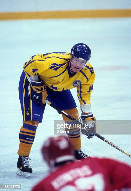 Kenny Jonsson of Team Sweden waits for the faceoff against Team Slovakia during the 1994 Winter Olympic Games on February 13 1994 at the Haakons Hall...