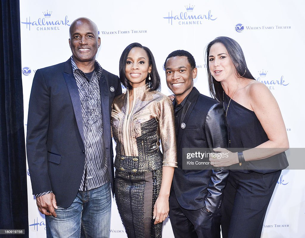 <a gi-track='captionPersonalityLinkClicked' href=/galleries/search?phrase=Kenny+Leon&family=editorial&specificpeople=234439 ng-click='$event.stopPropagation()'>Kenny Leon</a>, <a gi-track='captionPersonalityLinkClicked' href=/galleries/search?phrase=Anika+Noni+Rose&family=editorial&specificpeople=227294 ng-click='$event.stopPropagation()'>Anika Noni Rose</a>, Harrison Knight and Nikki Silver pose on the red carpet during the 'The Watson's Go To Birmingham' Washington DC Screening at NEWSEUM on September 17, 2013 in Washington, DC.