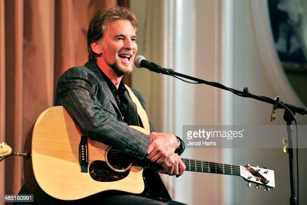 Kenny Loggins performs at the Beverly Hills Bar Association's Entertainment Lawyer of the Year Dinner at Beverly Hills Hotel on April 16 2014 in...