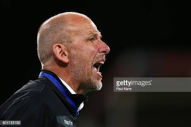 Kenny Lowe head coach of the Glory shouts to his players during the round seven ALeague match between the Perth Glory and Adelaide United at nib...