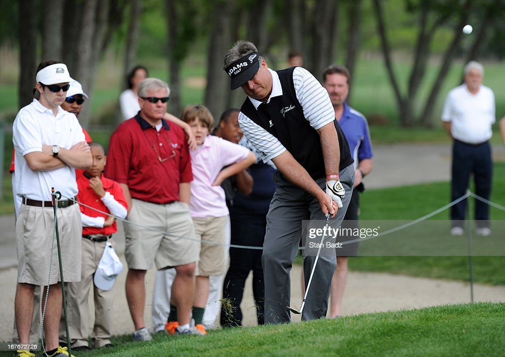 <a gi-track='captionPersonalityLinkClicked' href=/galleries/search?phrase=Kenny+Perry&family=editorial&specificpeople=210558 ng-click='$event.stopPropagation()'>Kenny Perry</a> chips onto the third hole during the second round of the Legends Division at the Liberty Mutual Insurance Legends of Golf at The Westin Savannah Harbor Golf Resort & Spa on April 27, 2013 in Savannah, Georgia.