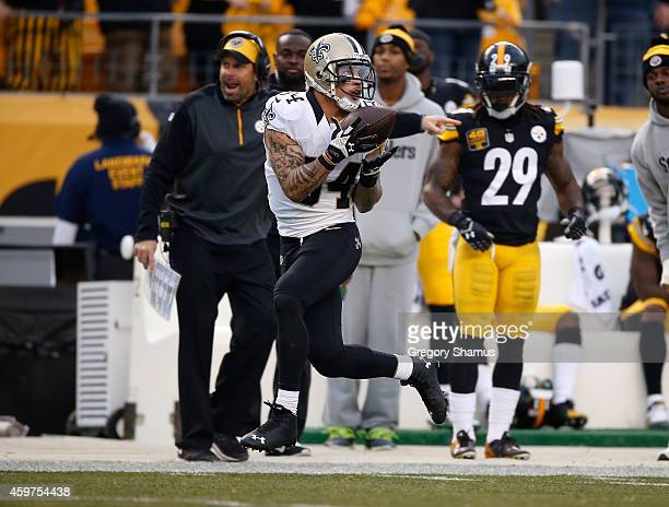 Kenny Stills of the New Orleans Saints makes a catch and runs for a touchdown during the third quarter against the Pittsburgh Steelers at Heinz Field...