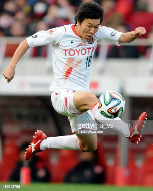Kensuke Nagai of Nagoya Grampus in action during the JLeague match between Urawa Red Diamonds and Nagoya Grampus at Saitama Stadium on December 6...
