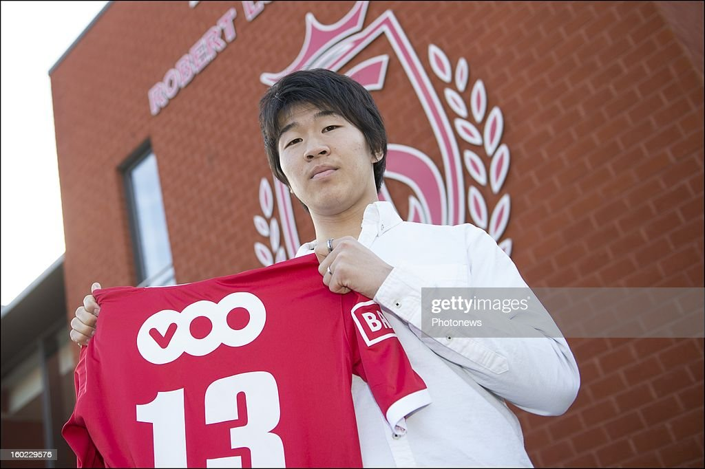 <a gi-track='captionPersonalityLinkClicked' href=/galleries/search?phrase=Kensuke+Nagai&family=editorial&specificpeople=6548859 ng-click='$event.stopPropagation()'>Kensuke Nagai</a> poses during an official presentation as new player of Standard Liege on January 28, 2013 in Liege, Belgium.