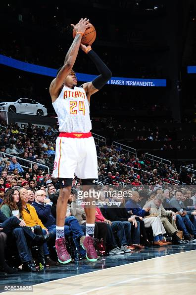 Kent Bazemore of the Atlanta Hawks shoots the ball against the Indiana Pacers on February 5 2016 at Philips Arena in Atlanta Georgia NOTE TO USER...