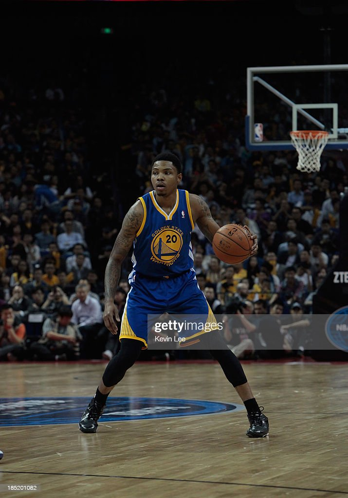 <a gi-track='captionPersonalityLinkClicked' href=/galleries/search?phrase=Kent+Bazemore&family=editorial&specificpeople=6846101 ng-click='$event.stopPropagation()'>Kent Bazemore</a> #20 of the Golden State Warriors handles the ball during a NBA match between the Los Angeles Lakers and the Golden State Warriors on October 18, 2013 in Shanghai, China.