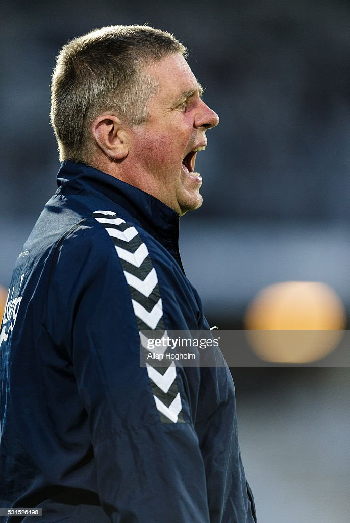 Kent Nielsen, head coach of OB in action during the Danish Alka Superliga match between AGF Aarhus and OB Odense at Ceres Park on May 26, 2016 in Aarhus, Denmark.
