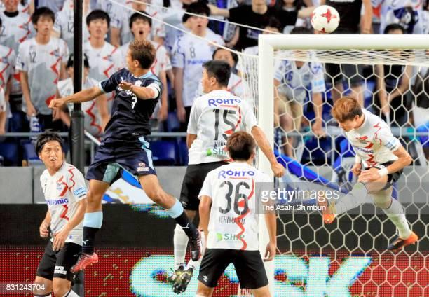 Kentaro Oi of Jubilo Iwata heads to score the opening goal during the JLeague J1 match between Gamba Osaka and Jubilo Iwata at Suita City Football...