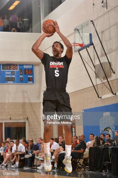 Kentavious CaldwellPope of the Detroit Pistons shoots against the Miami Heat during the 2013 Southwest Airlines Orlando Pro Summer League on July 11...