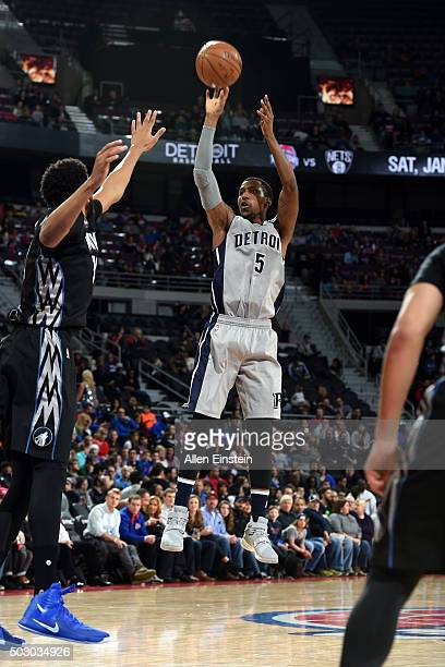 Kentavious CaldwellPope of the Detroit Pistons shoots against the Minnesota Timberwolves on December 31 2015 at The Palace of Auburn Hills in Auburn...