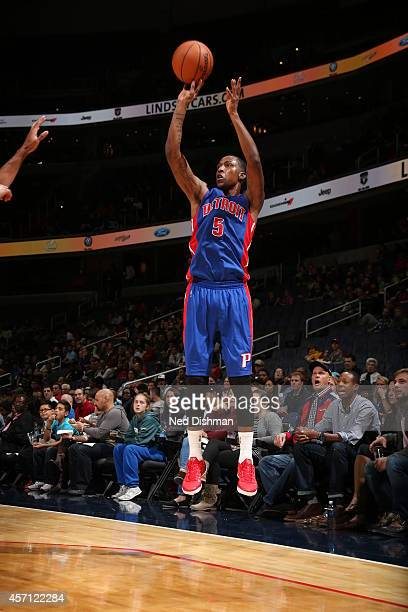 Kentavious CaldwellPope of the Detroit Pistons shoots the ball against the Washington Wizards during the game on October 12 2014 at Verizon Center in...