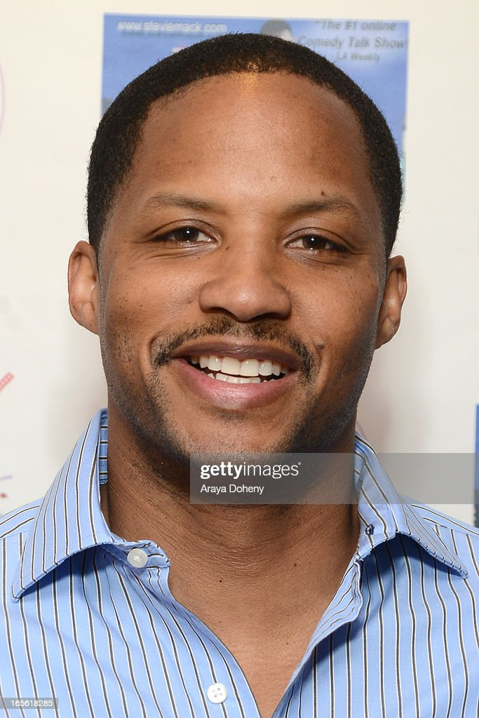 Kente Scott attends the 3rd Annual Paparazzi Comedy Awards Supporting Autism Awareness on April 4, 2013 in Los Angeles, California.