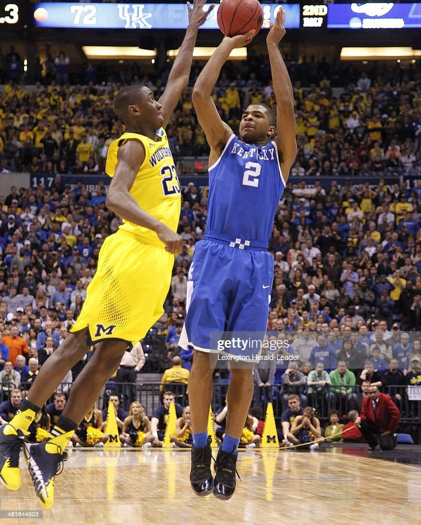 Kentucky Wildcats guard Aaron Harrison hit the gamewinning three pointer with 30 seconds left in the game The Kentucky Wildcats defeated the Michigan...