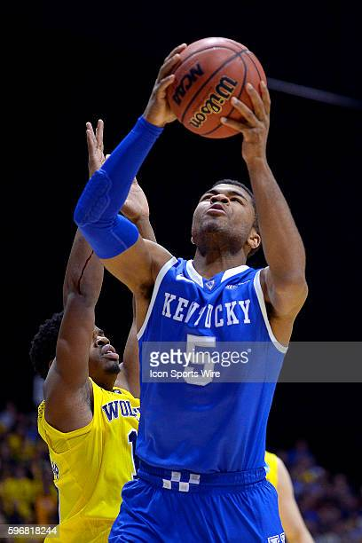 Kentucky Wildcats guard Andrew Harrison in action during the Div I Men's Championship Elite Eight game between the Kentucky Wildcats and the Michigan...