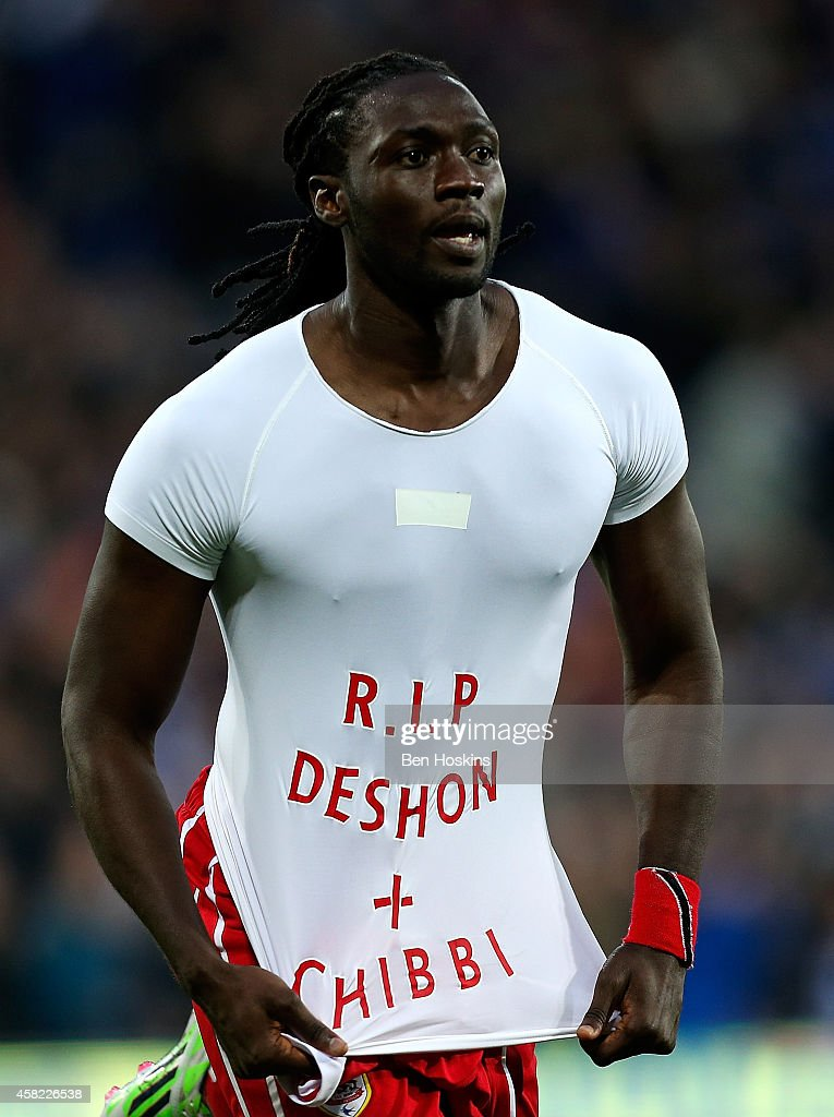 <a gi-track='captionPersonalityLinkClicked' href=/galleries/search?phrase=Kenwyne+Jones&family=editorial&specificpeople=553966 ng-click='$event.stopPropagation()'>Kenwyne Jones</a> of Cardiff celebrates after scoring his team's thrid goal of the game during the Sky Bet Championship match between Cardiff City and Leeds United at Cardiff City Stadium on November 1, 2014 in Cardiff, Wales.