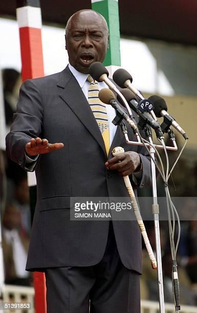 Kenyan President Daniel arap Moi addresses the Nation 12 December 2001 during this year's Jamhuri Day celebrations at the Nyayo National Stadium in...