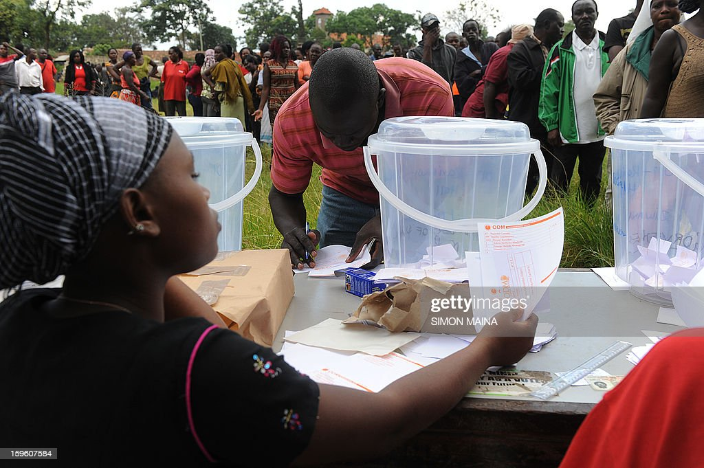 Kenyan voters qeue to cast their ballot in Nairobi during the parties primary nominations January 17,2013 ahead of this year general election. The March elections are the first since the bloody 2007-08 polls that left at least 1,100 killed and 600,000 more displaced after what began as protests over the election results degenerated into vicious killings pitting supporters of Odinga against those of the outgoing president Mwai Kibaki.