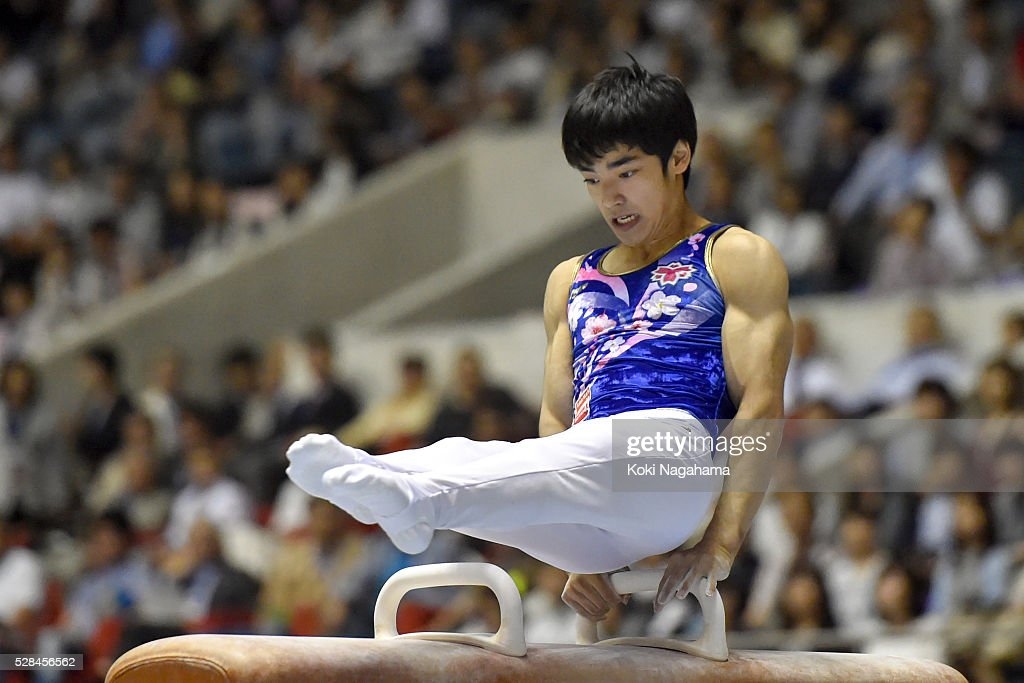 <a gi-track='captionPersonalityLinkClicked' href=/galleries/search?phrase=Kenzo+Shirai&family=editorial&specificpeople=11423900 ng-click='$event.stopPropagation()'>Kenzo Shirai</a> competes in the Pommel Horse during the Artistic Gymnastics NHK Trophy at Yoyogi National Gymnasium on May 5, 2016 in Tokyo, Japan.