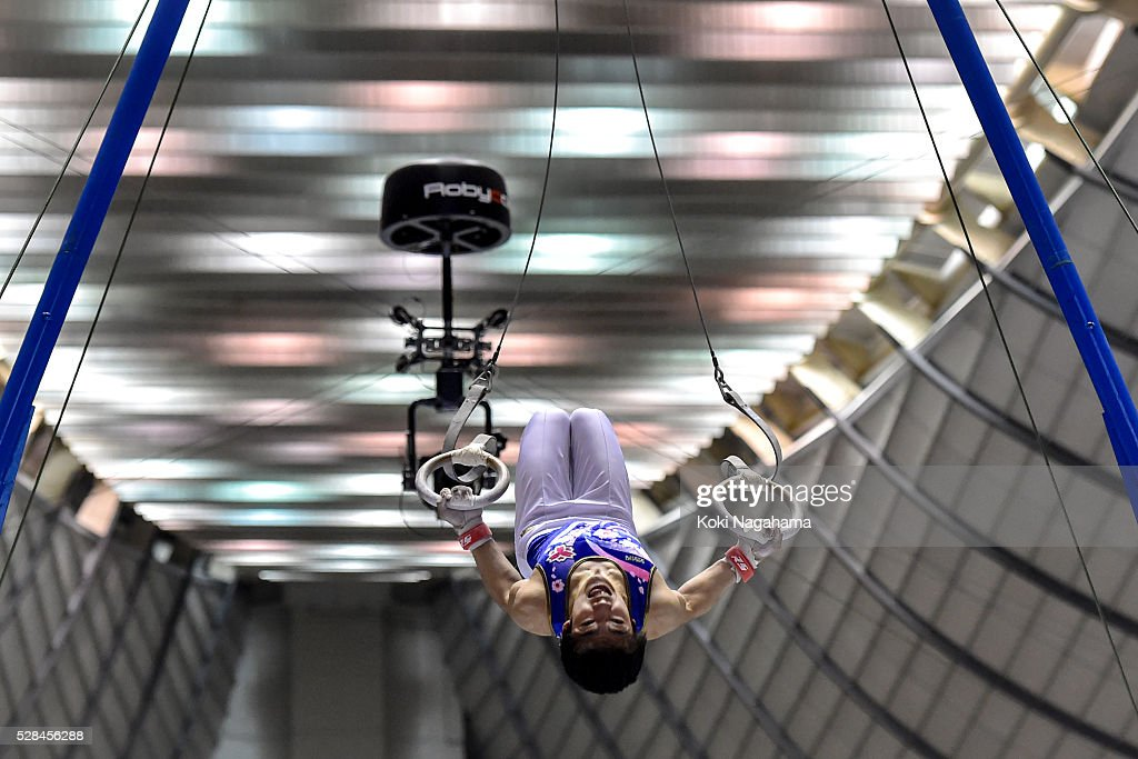 <a gi-track='captionPersonalityLinkClicked' href=/galleries/search?phrase=Kenzo+Shirai&family=editorial&specificpeople=11423900 ng-click='$event.stopPropagation()'>Kenzo Shirai</a> competes in the Rings during the Artistic Gymnastics NHK Trophy at Yoyogi National Gymnasium on May 5, 2016 in Tokyo, Japan.