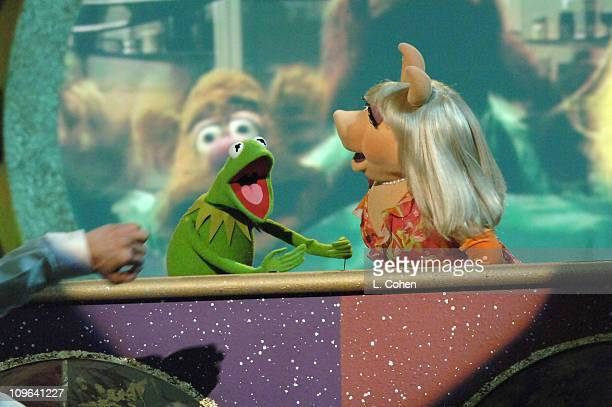Kermit the Frog and Miss Piggy perform the theme from 'The Muppet Show'