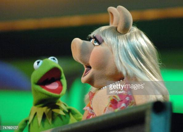 Kermit the Frog and Miss Piggy perform the theme from 'The Muppet Show' at the 2006 TV Land Awards Show at Barker Hangar in Santa Monica California