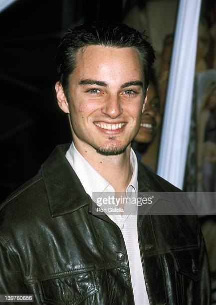 Kerr Smith at the World Premiere of 'Josie and the Pussycats' GC Galaxy Theater