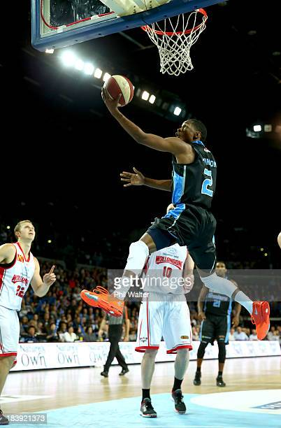 Kerron Johnson of the Breakers dunks the ball during the round one NBL match between the New Zealand Breakers and the Wollongong Hawks at Vector...