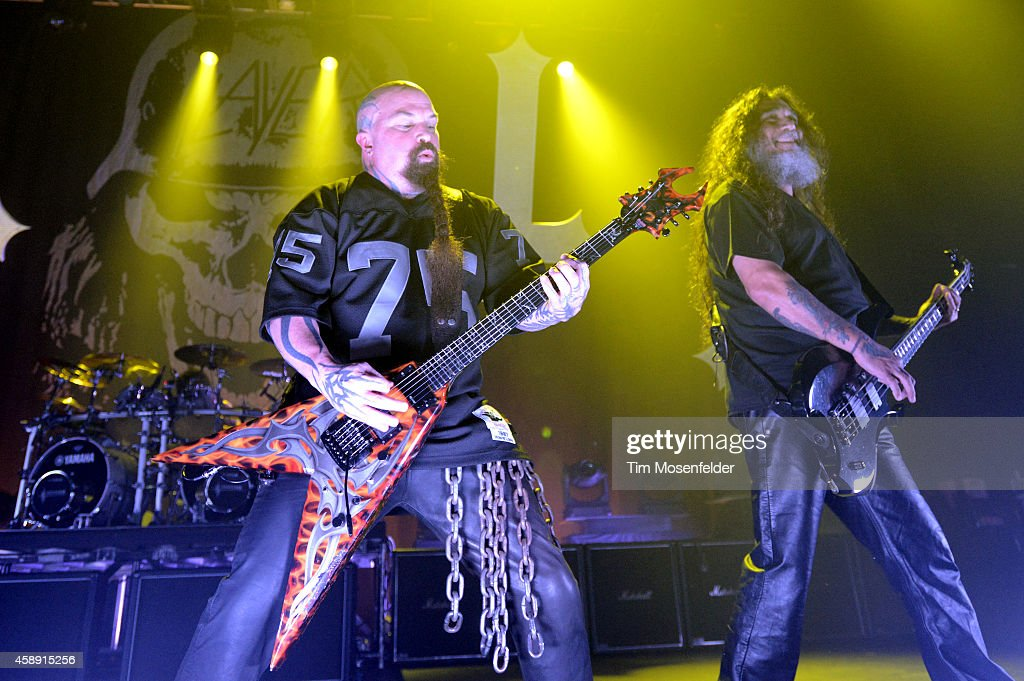<a gi-track='captionPersonalityLinkClicked' href=/galleries/search?phrase=Kerry+King&family=editorial&specificpeople=236089 ng-click='$event.stopPropagation()'>Kerry King</a> (L) and <a gi-track='captionPersonalityLinkClicked' href=/galleries/search?phrase=Tom+Araya&family=editorial&specificpeople=235893 ng-click='$event.stopPropagation()'>Tom Araya</a> of <a gi-track='captionPersonalityLinkClicked' href=/galleries/search?phrase=Slayer+-+Band&family=editorial&specificpeople=689789 ng-click='$event.stopPropagation()'>Slayer</a> perform at the Fox Theater on November 12, 2014 in Oakland, California.