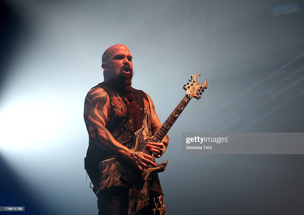 <a gi-track='captionPersonalityLinkClicked' href=/galleries/search?phrase=Kerry+King&family=editorial&specificpeople=236089 ng-click='$event.stopPropagation()'>Kerry King</a> of Slayer performs at day one of the Lowlands Festival on August 16, 2013 in Biddinghuizen, Netherlands.