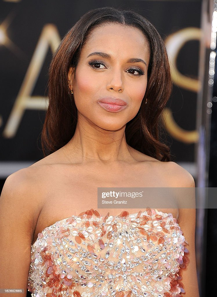 Kerry Washington arrives at the 85th Annual Academy Awards at Dolby Theatre on February 24, 2013 in Hollywood, California.