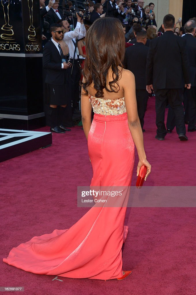 Kerry Washington arrives at the Oscars at Hollywood & Highland Center on February 24, 2013 in Hollywood, California.