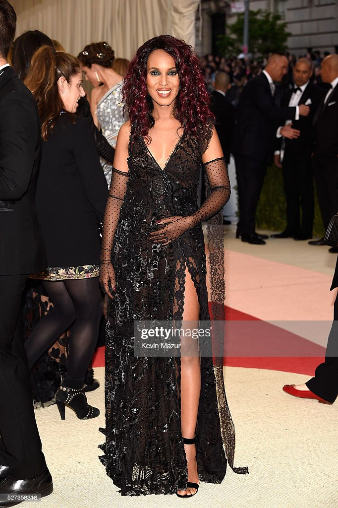 Kerry Washington attends 'Manus x Machina: Fashion In An Age Of Technology' Costume Institute Gala at Metropolitan Museum of Art on May 2, 2016 in New York City.
