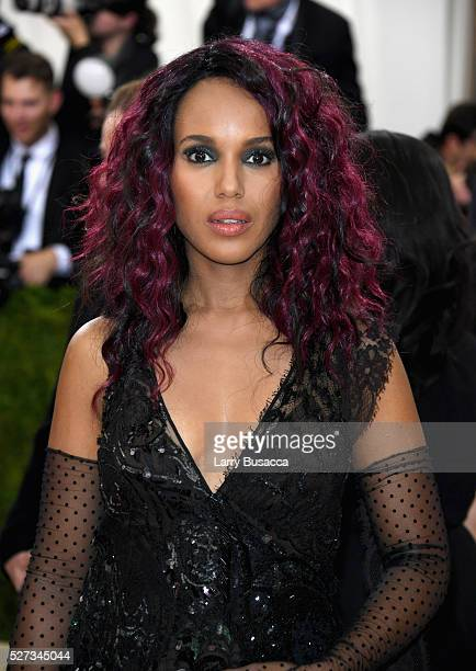 Kerry Washington attends the 'Manus x Machina Fashion In An Age Of Technology' Costume Institute Gala at Metropolitan Museum of Art on May 2 2016 in...