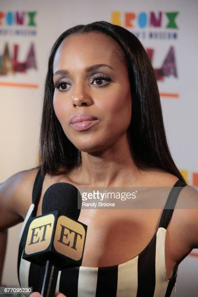 Kerry Washington on the red carpet doing an ET interview during the 2017 The Bronx Children's Museum Gala at Tribeca Rooftop on May 2 2017 in New...