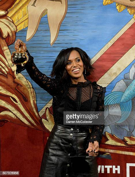 Kerry Washington performs in a skit with Hasty Pudding Theatrical members during the Hasty Pudding Woman of the Year award January 28 2016 in...