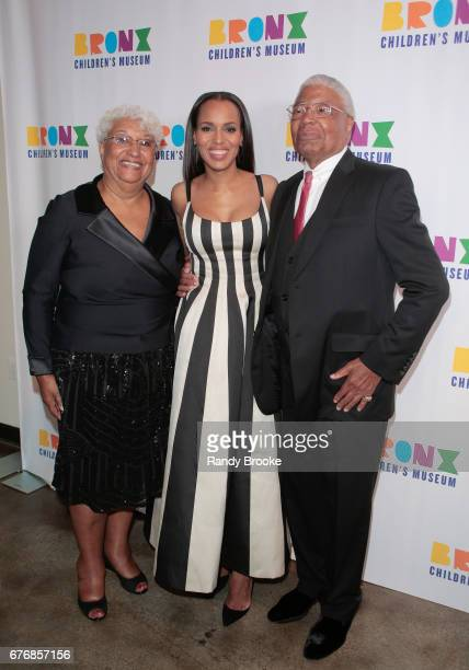 Kerry Washington poses with her parents Valerie and Earl Washington during the 2017 The Bronx Children's Museum Gala at Tribeca Rooftop on May 2 2017...