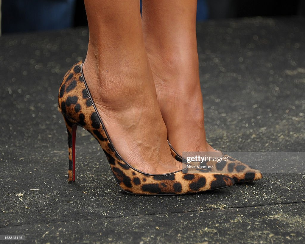 Kerry Washington (shoe detail) visits 'Extra' at The Grove on May 8, 2013 in Los Angeles, California.