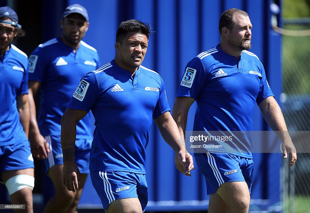 Keven Mealamu(L) and Tony Woodcock during a Blues Super Rugby training session at Unitec on January 28, 2014 in Auckland, New Zealand.