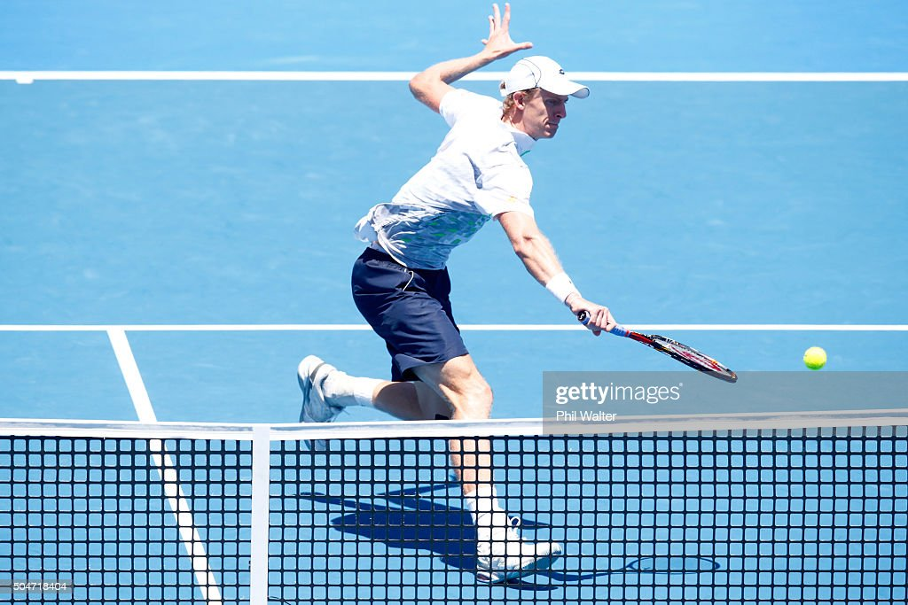 <a gi-track='captionPersonalityLinkClicked' href=/galleries/search?phrase=Kevin+Anderson+-+Tennis+Player&family=editorial&specificpeople=5405822 ng-click='$event.stopPropagation()'>Kevin Anderson</a> of South Afric plays a backhand against Robin Haase of the Netherlands on Day 3 of the ASB Classic on January 13, 2016 in Auckland, New Zealand.