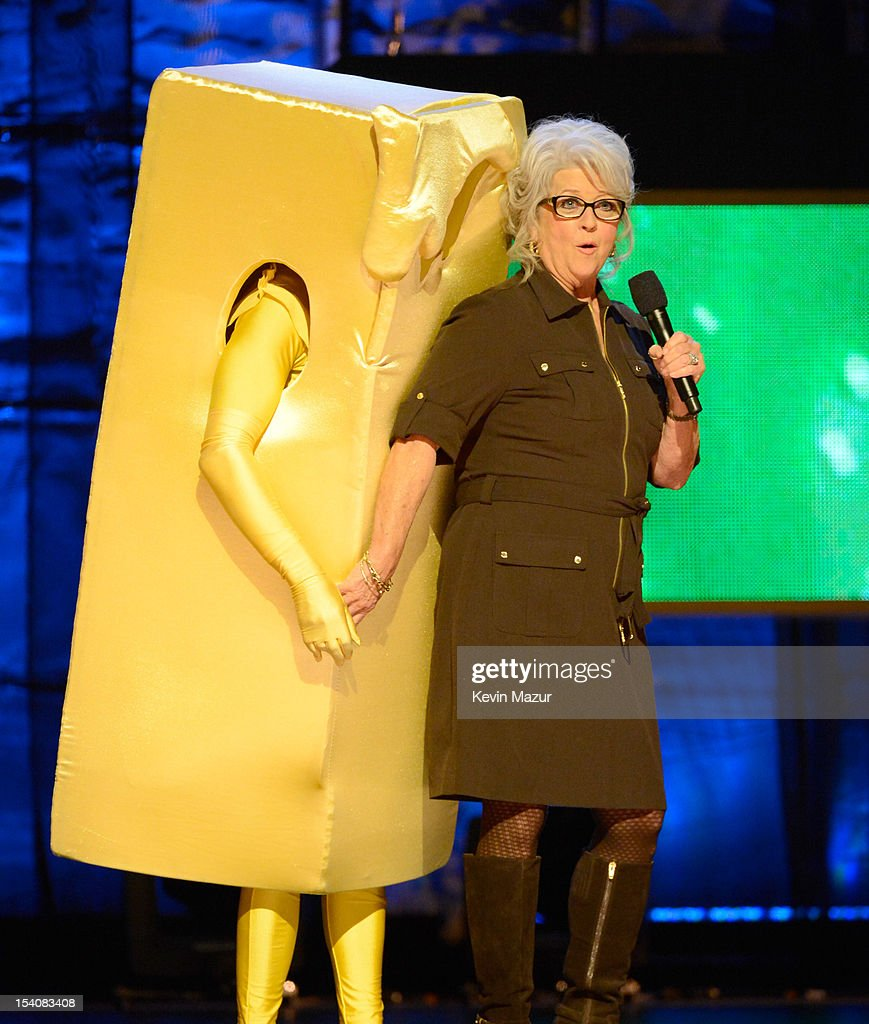 Paula deen photo getty images - Kevin Bacon And Paula Deen Perform On Stage At Comedy Central S Night Of Too Many Stars