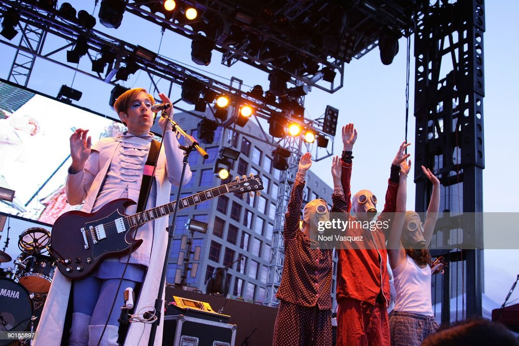 Kevin Barnes (L) and stage dancers of Of Montreal perform at Street Scene Music Festival - Day 2 on August 29, 2009 in San Diego, California.