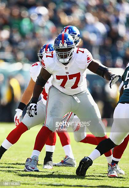 Kevin Boothe of the New York Giants in action against the Philadelphia Eagles during their game at Lincoln Financial Field on October 27 2013 in...