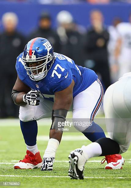 Kevin Boothe of the New York Giants in action against the Oakland Raiders during their game at MetLife Stadium on November 10 2013 in East Rutherford...