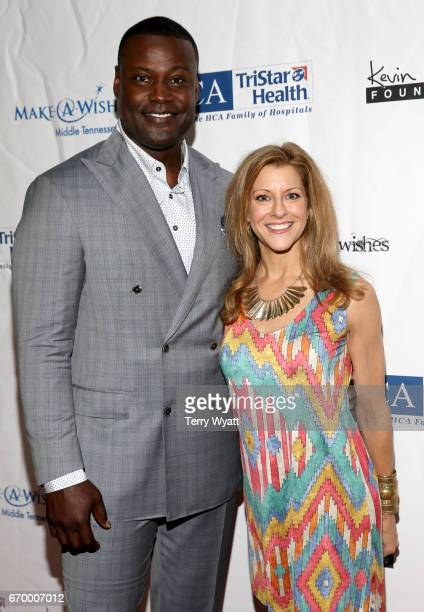 Kevin Carter and Bonnie Bernstein attend the 16th Annual Waiting for Wishes Celebrity Dinner Hosted by Kevin Carter Jay DeMarcus on April 18 2017 in...