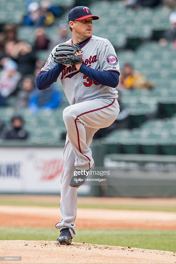 Kevin Correia of the Minnesota Twins pitches against the Chicago White Sox on April 2 2014 at US Cellular Field in Chicago Illinois The White Sox...