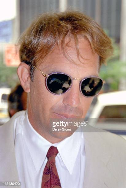 Kevin Costner during Kevin Costner Appears on the 'CBS Morning Show' April 6 1995 at CBS Studios in New York City New York United States