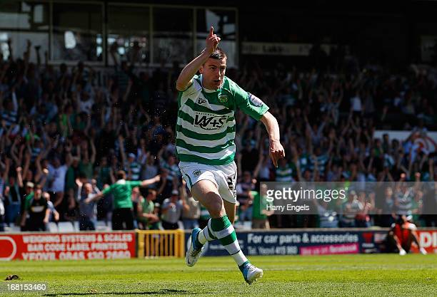 Kevin Dawson of Yeovil Town celebrates scoring the opening goal during the npower League One Play Off Semi Final second leg match between Yeovil Town...